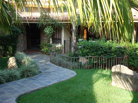 Picture gallery of Residencia Los Jardines